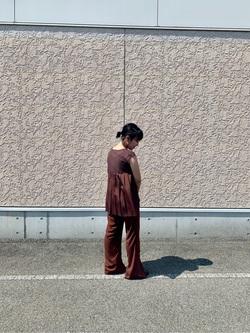 [warehouse 神戸三田プレミアムアウトレット店][小島 明花]