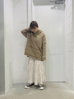 [山田里菜]