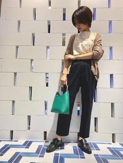 [浅見 栞]