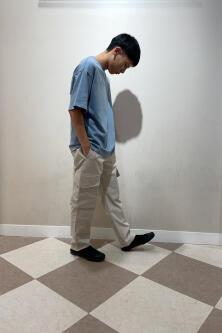 [友        良]